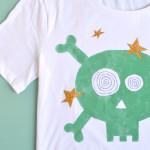 Maglietta anti-fashion con i transfer glitter