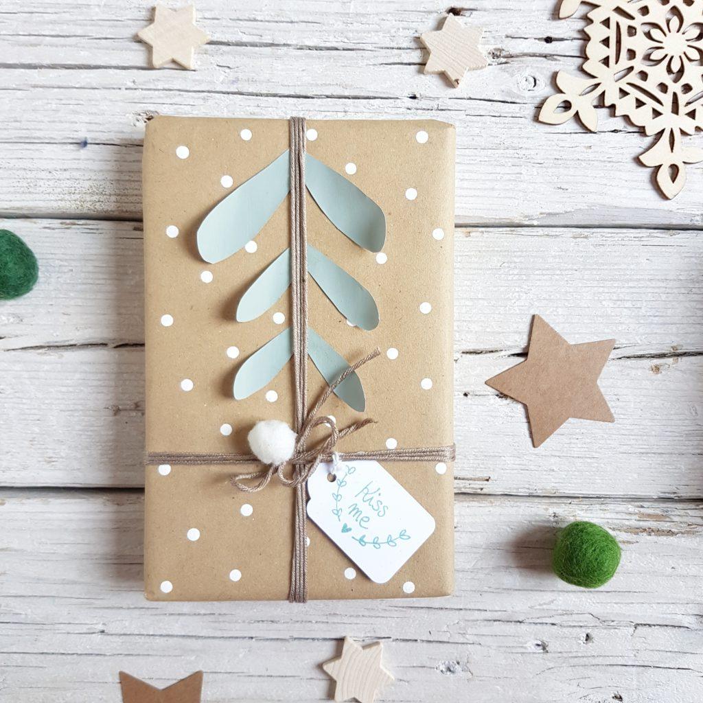 mistletoe packaging