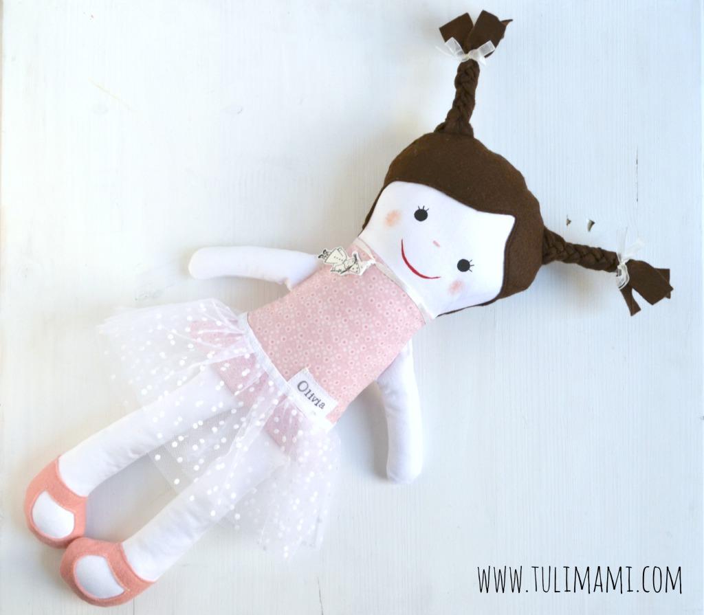 sorellina bambola